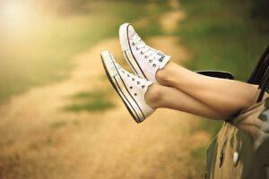 Quando sei in piedi sono sdraiati. Quando sei sdraiato, loro sono in piedi. Cosa sono?